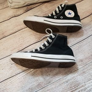 Converse High tops Youth size 2